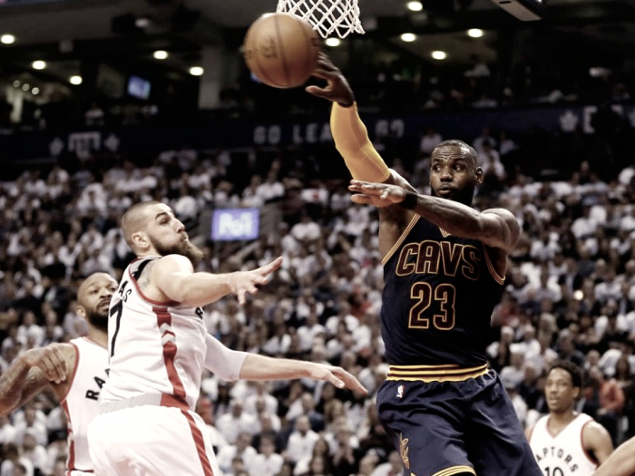 NBA Playoffs - LeBron James guida i Cavaliers alla vittoria in Gara 3