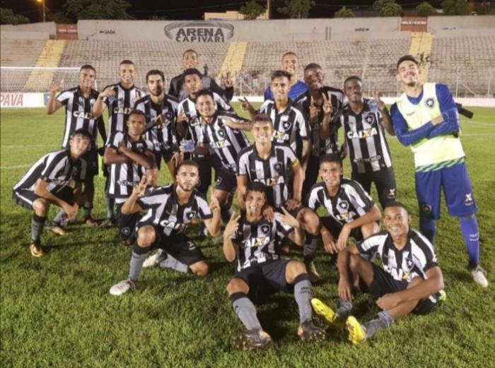 Botafogo goleia Velo Clube-SP e assume a liderança do Grupo 13 da Copa SP de Futebol Júnior