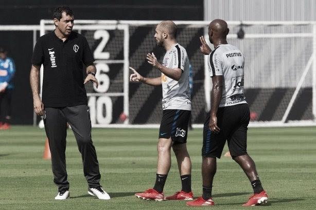 Com desfalques, Carille esboça Corinthians para amistoso contra Botafogo-SP