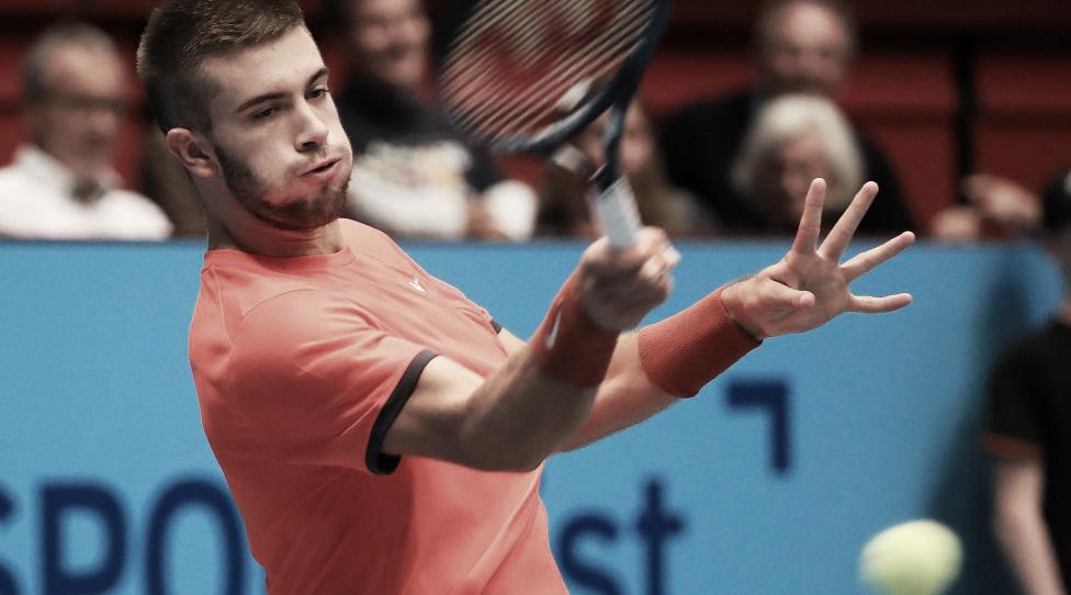 Coric vira contra Ramos Viñolas na estreia do ATP 500 de Viena