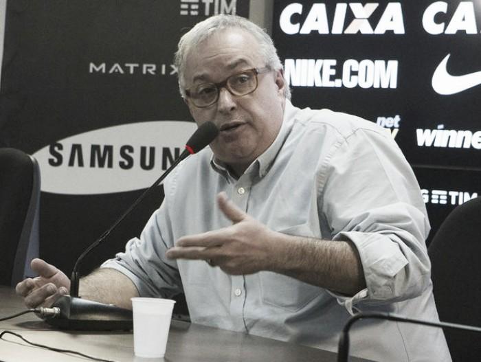 Conselheiros formalizam pedido de impeachment contra Roberto de Andrade
