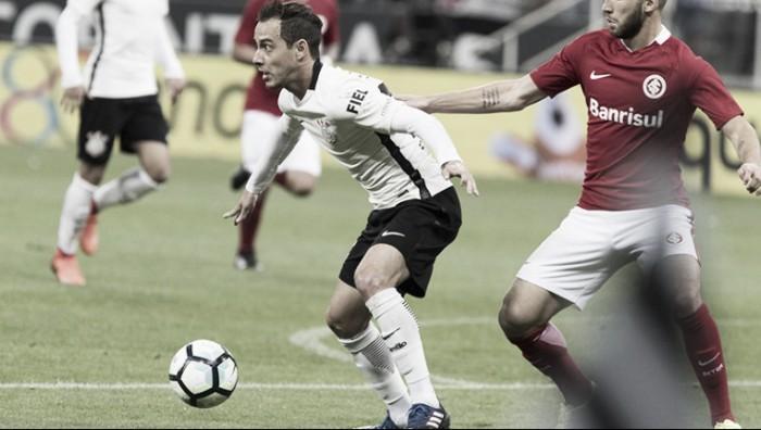 Rodriguinho lamenta chances perdidas e eliminação corintiana na Copa do Brasil