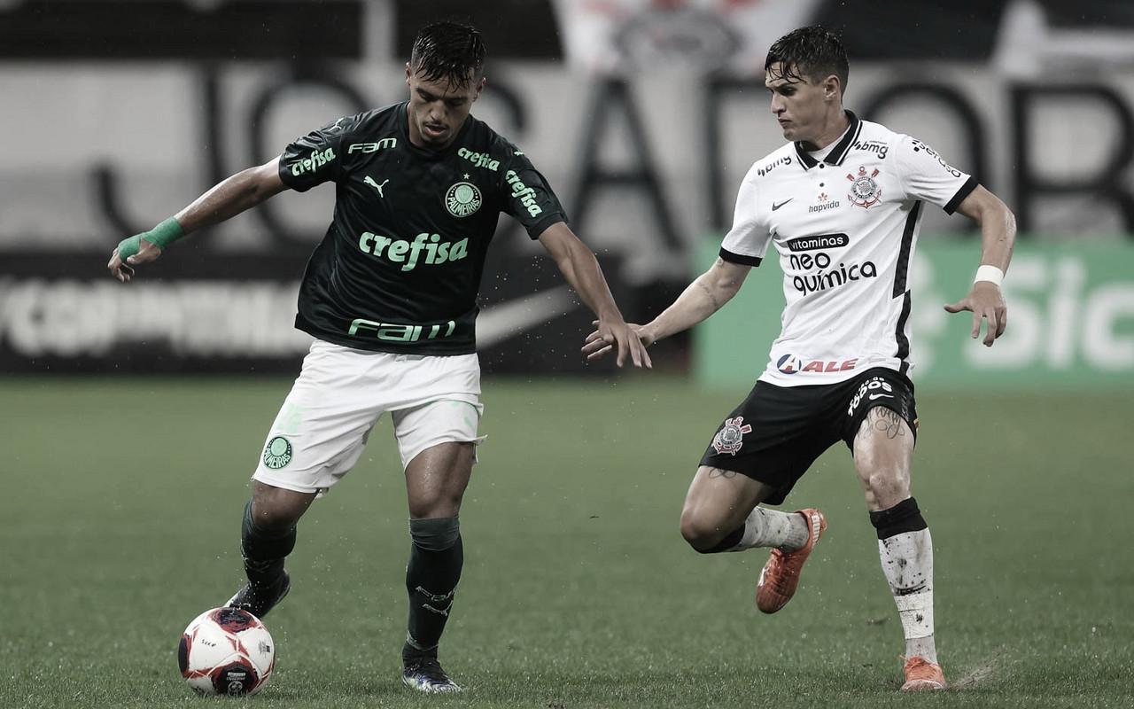 Debaixo de temporal, Corinthians e Palmeiras ficam no empate pelo Paulistão