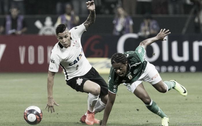 Em Derby centenário, Palmeiras tenta quebrar invencibilidade do Corinthians no Brasileiro