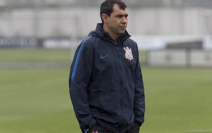 Carille diz que levará lições após primeira derrota do Corinthians no Brasileirão