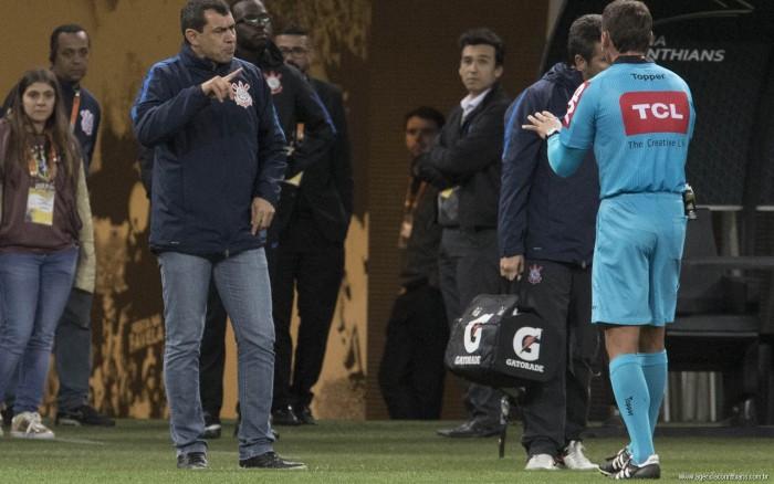 """Carille elogia desempenho do Corinthians no primeiro turno: """"Estou muito surpreso e feliz"""""""