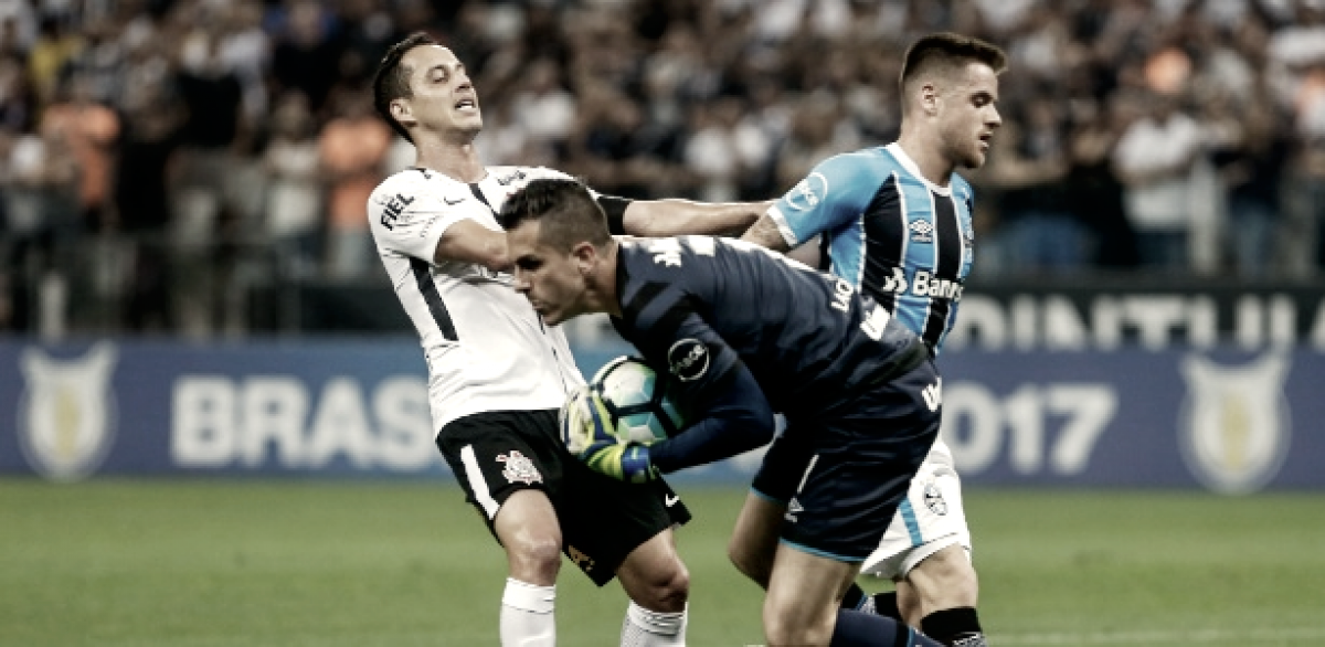 Corinthians enfrenta Grêmio em amistoso após debandada no time alvinegro
