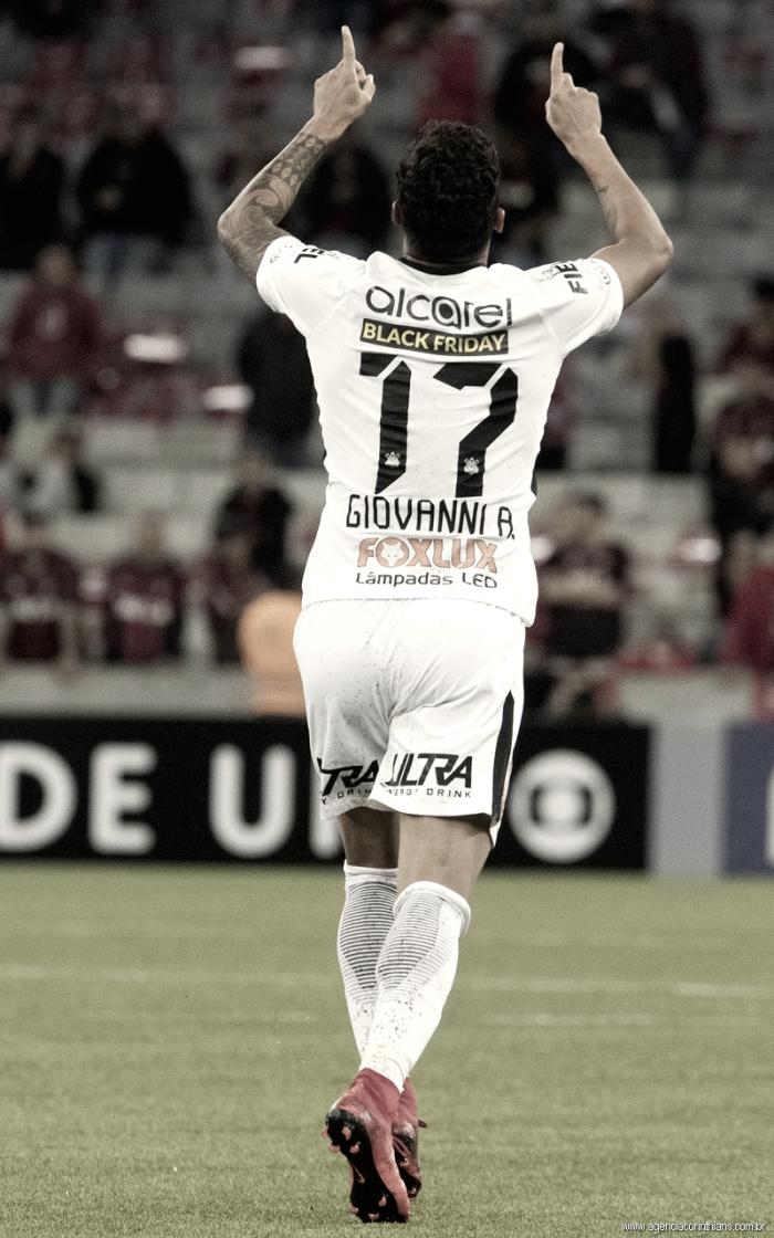 Após um ano sem gols e muitas críticas, Giovanni Augusto sai do banco e dá vitória ao Corinthians