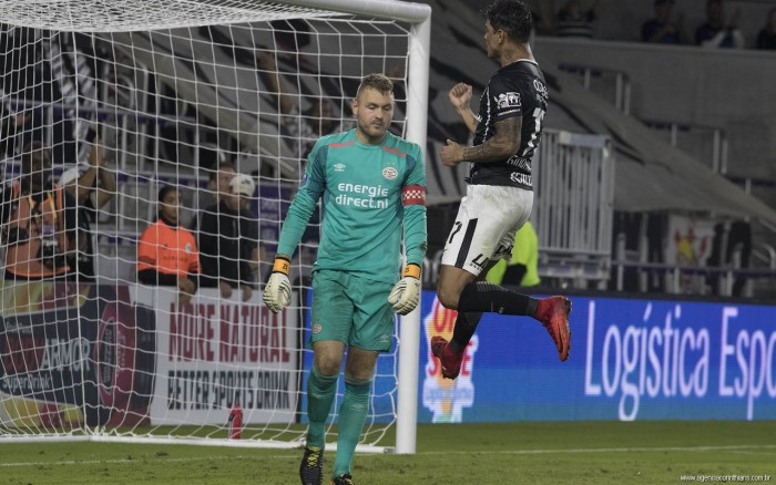 Corinthians toma quatro gols no segundo tempo e perde para Rangers de 4 a 2