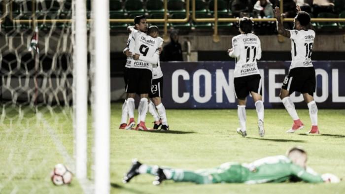 Zagueiro Balbuena marca no fim e Corinthians empata contra Patriotas na ida à Colômbia