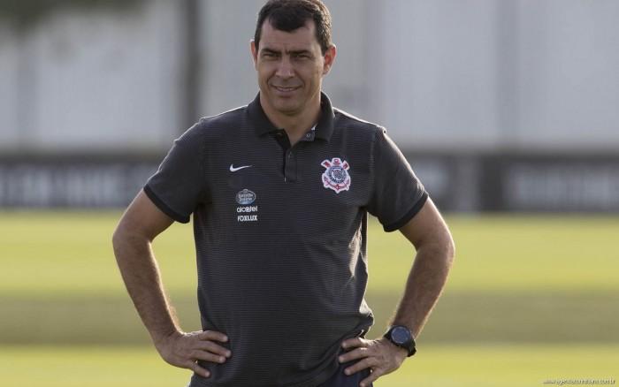 """Carille confirma Corinthians e descarta influência de eliminações passadas: """"Sem pressão extra"""""""