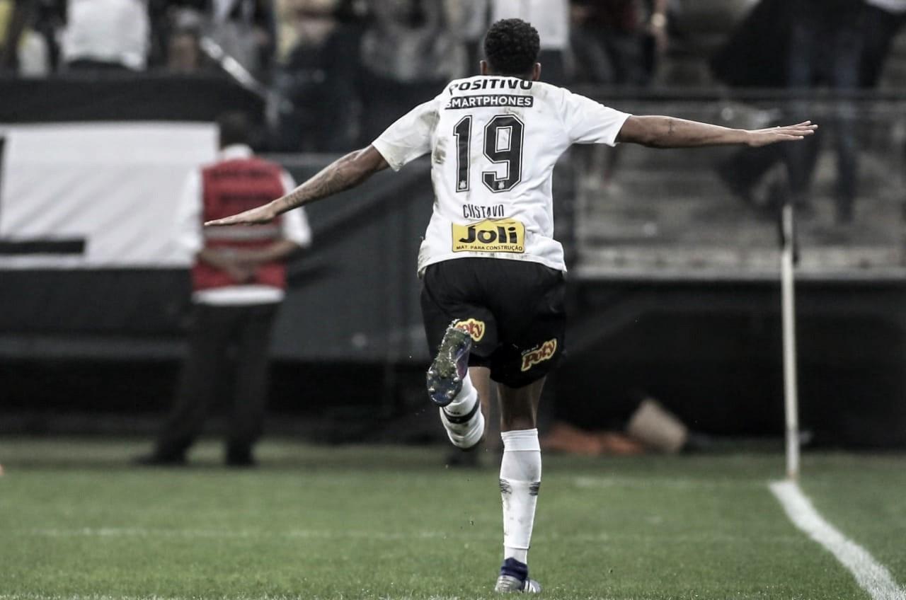 Em jogo polêmico, Corinthians confirma retrospecto e leva clássico contra São Paulo
