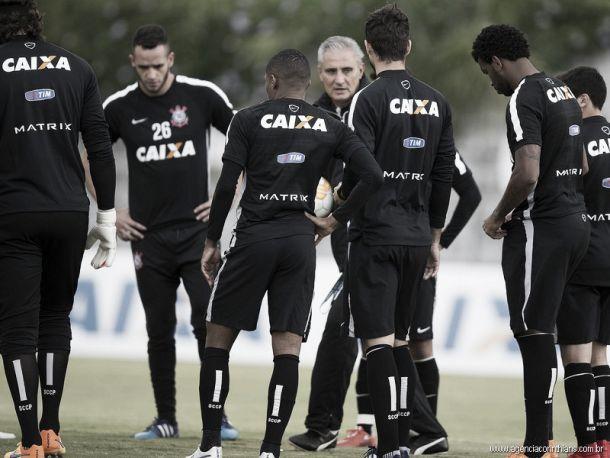 Renato Augusto garante foco do Corinthians no desembarque para jogo diante do Guaraní-PAR