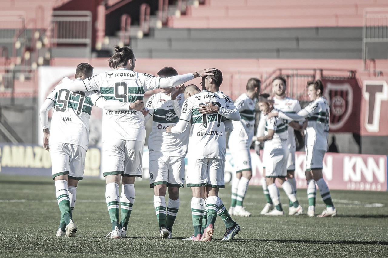 Com dois gols de Léo Gamalho, Coritiba vence Brasil de Pelotas e assume liderança da Série B