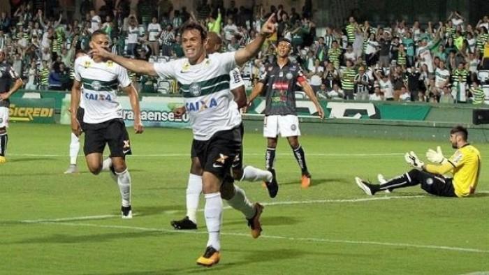 afada22755b18 Resultado Vitória x Coritiba no Campeonato Brasileiro 2017 (0-1 ...