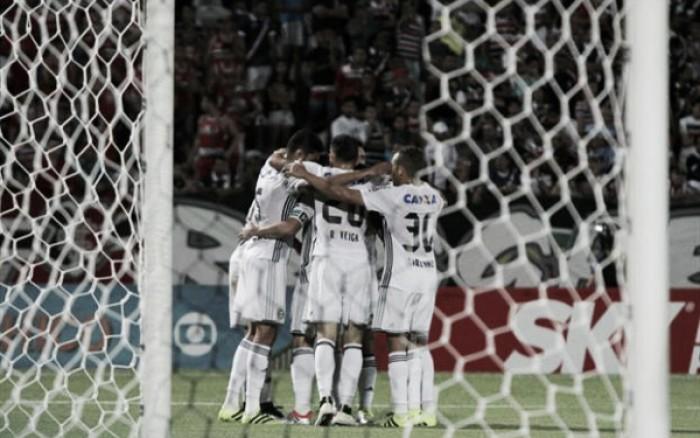 Coritiba bate Santa Cruz fora de casa com gol do artilheiro Kléber e deixa Z-4 provisoriamente