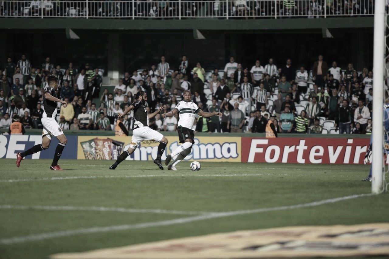 Coritiba vence Ponte Preta na estreia da Série B do Brasileirão