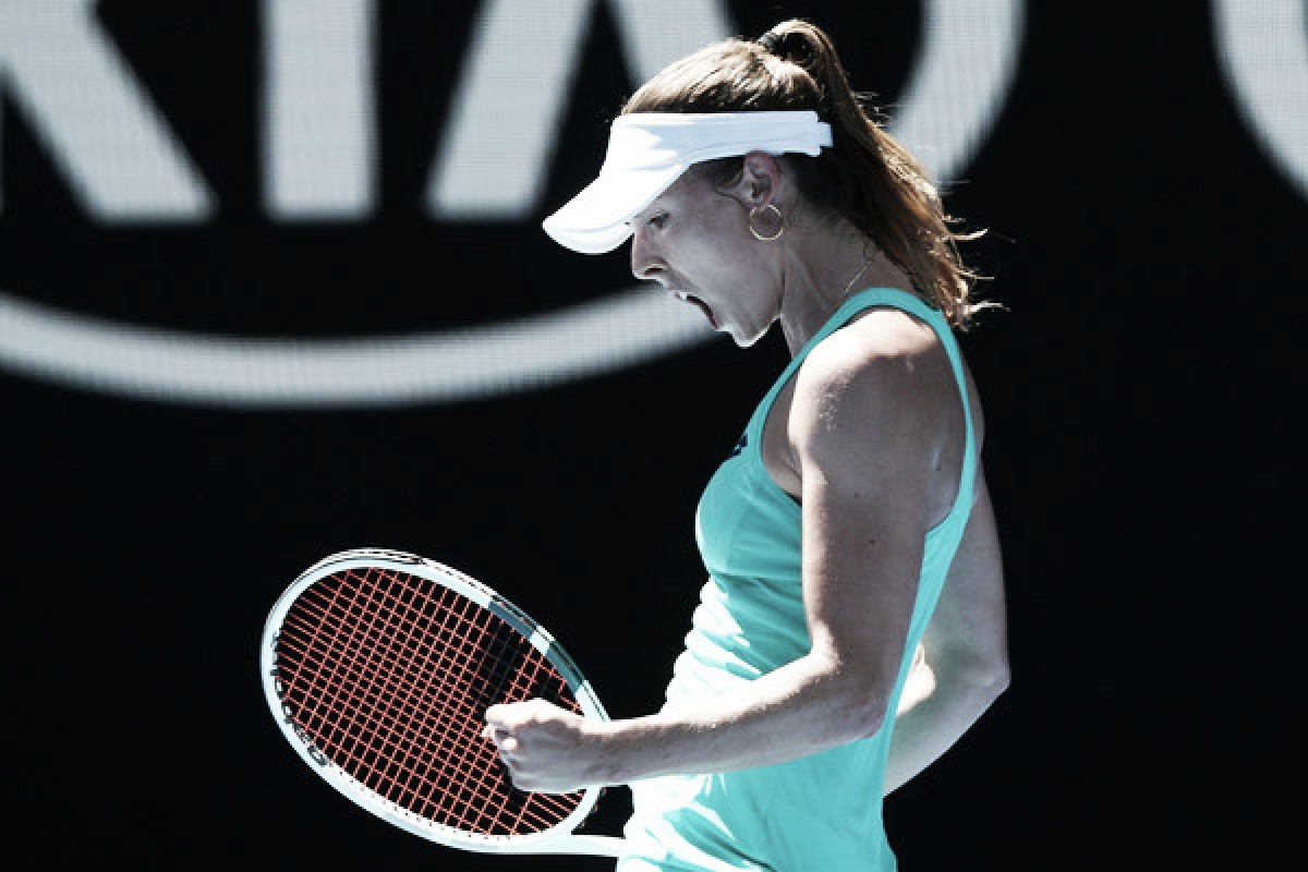 WTA Charleston: Alize Cornet breezes past Kateryna Bondarenko in one-sided affair
