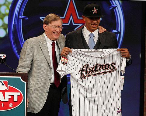 Carlos Correa hace historia para Puerto Rico en el MLB Draft 2012