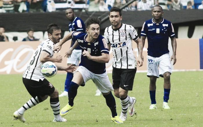 Corinthians recebe Cruzeiro no Pacaembu visando se manter na cola da liderança do Brasileirão