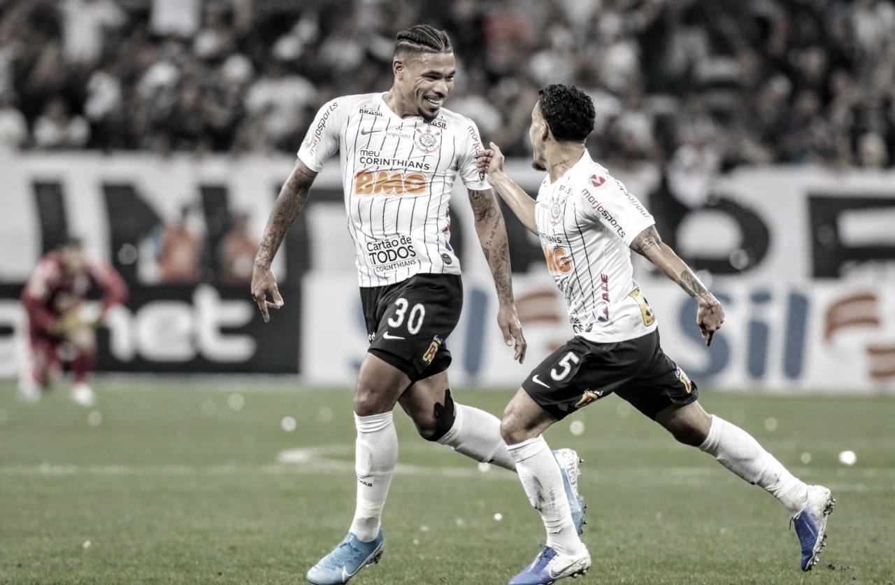 Corinthians vence Goiás e entra na zona de classificação para Libertadores