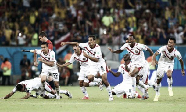 Costa-Rica bate Grécia e ruma aos quartos