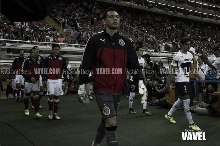 Rodolfo Cota permanecerá en Chivas