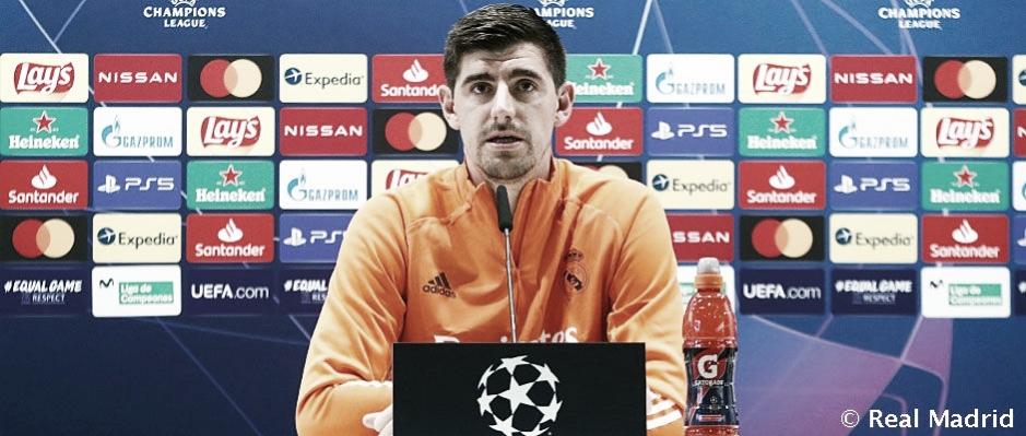 Courtois en la rueda de prensa previa antes de enfrentarse al Shakhtar Donetsk en Champions League | Fuente: Real Madrid.