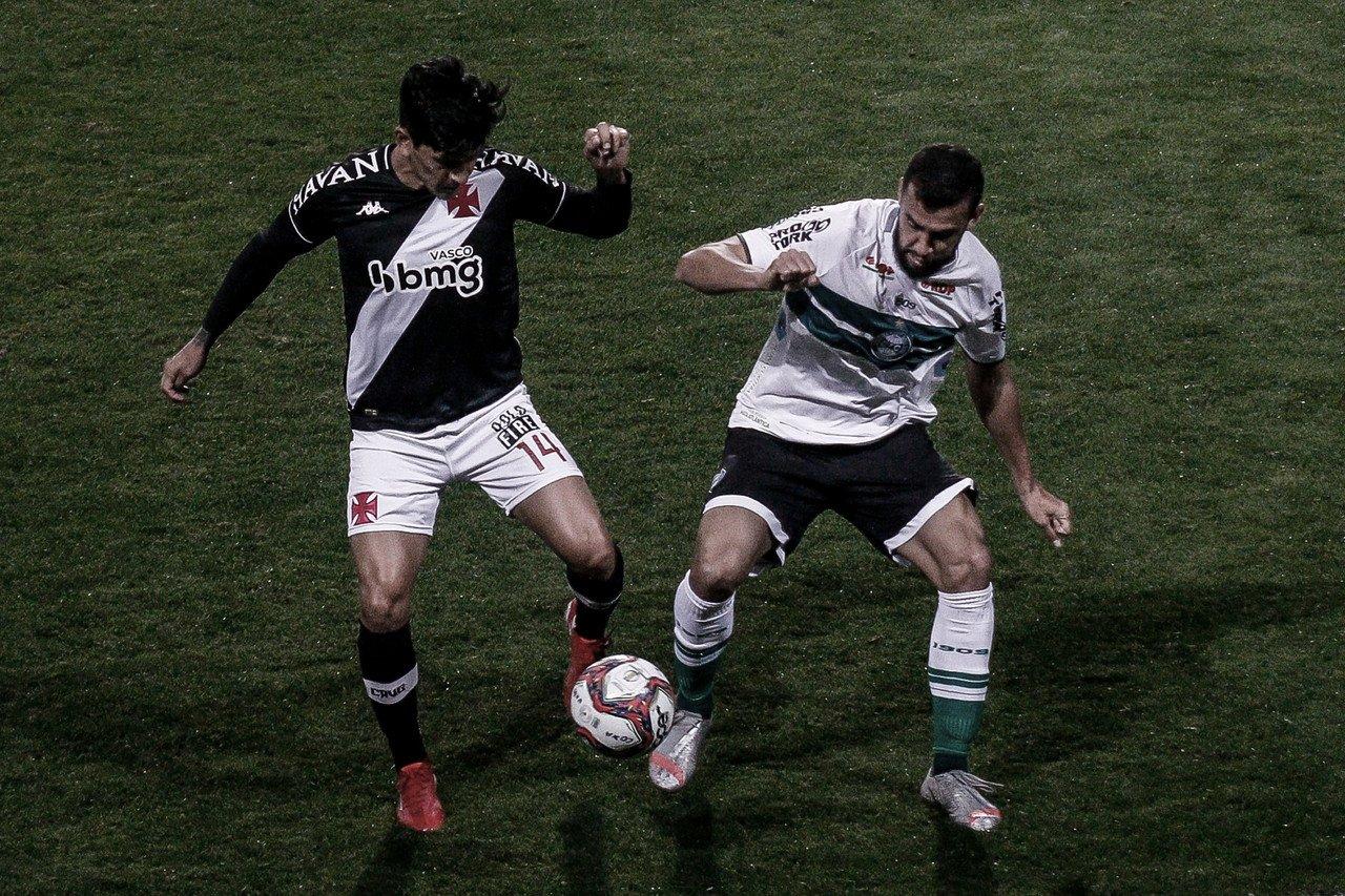 Com um gol de cada centroavante, Coritiba e Vasco empatam no Couto Pereira