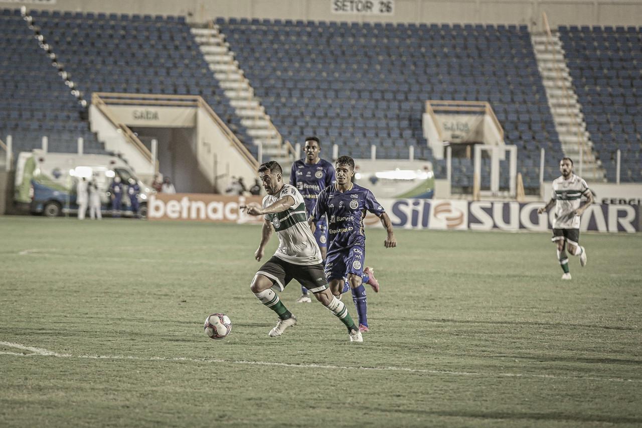 Waguininho marca contra Confiança, e Coritiba vence a quarta seguida na Série B