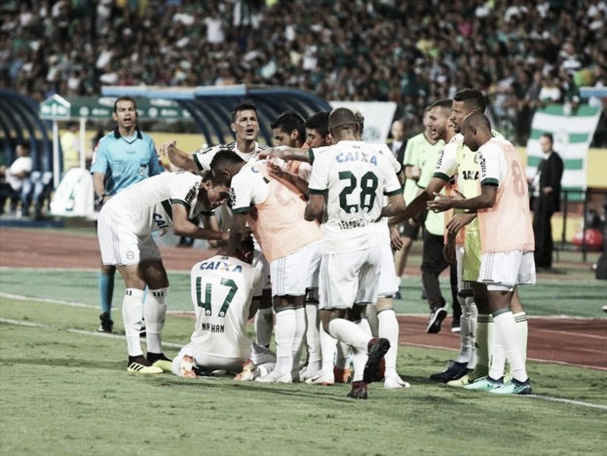 Wilson defende pênalti no fim e Coritiba vence Goiás fora de casa