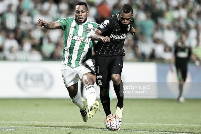 Em desavantagem, Coritiba busca classificação fora de casa diante do Atlético Nacional