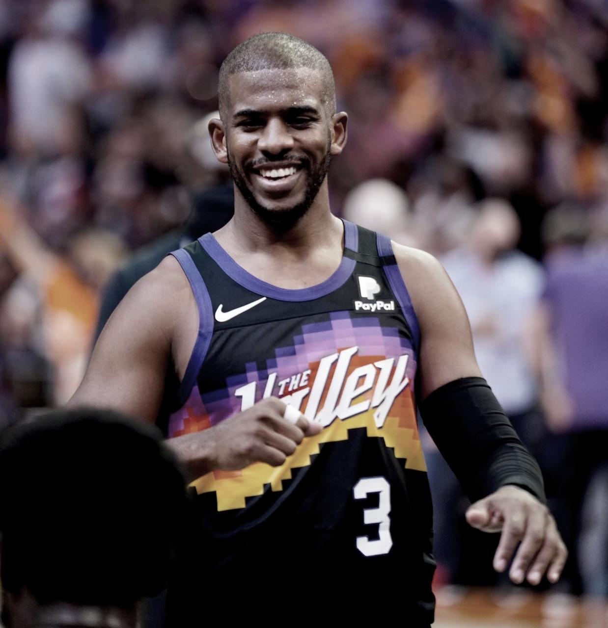 No retorno de Antetokounmpo, Bucks perdem para Suns no jogo 1 das finais da NBA