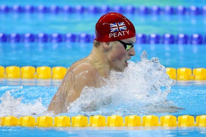 Rio 2016 - I giornata, batterie nuoto: Detti e 4x100 femminile in finale. Peaty segna il record del mondo nei 100 rana