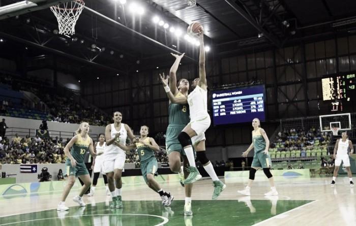 Austrália vira no segundo tempo e bate Brasil na estreia do basquete feminino