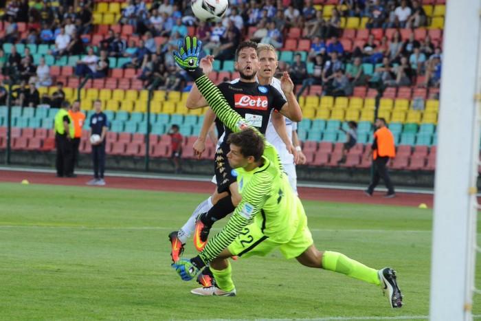 Il Napoli rifila un poker all'Hertha Berlino, prova generale superata