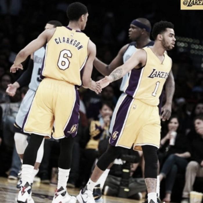 Sin ser más, los Lakers superaron a Memphis