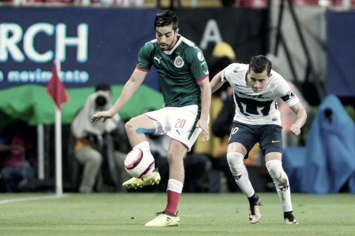Chivas mantiene racha ante Pumas; empate amargo para los dos