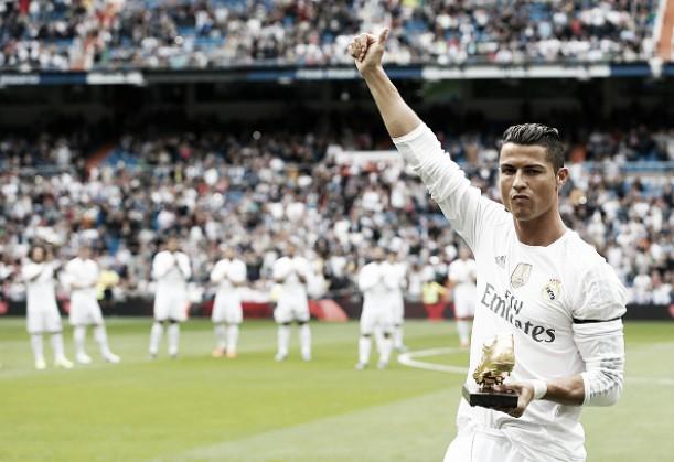 """Cristiano Ronaldo afirma que Messi levará Bola de Ouro: """"Os troféus que conquistou, decidem"""""""