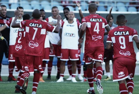 CRB vence lanterna Boa Esporte em jogo dramático e respira na Série B