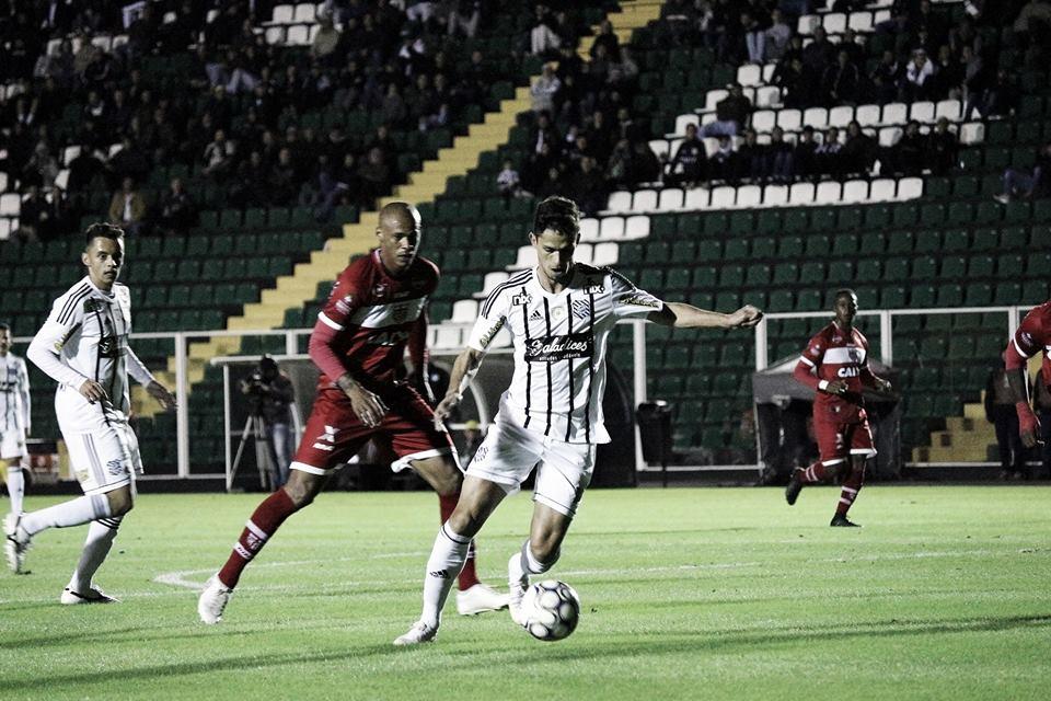 CRB e Figueirense se enfrentam em jogo que vale vaga na Série B de 2018