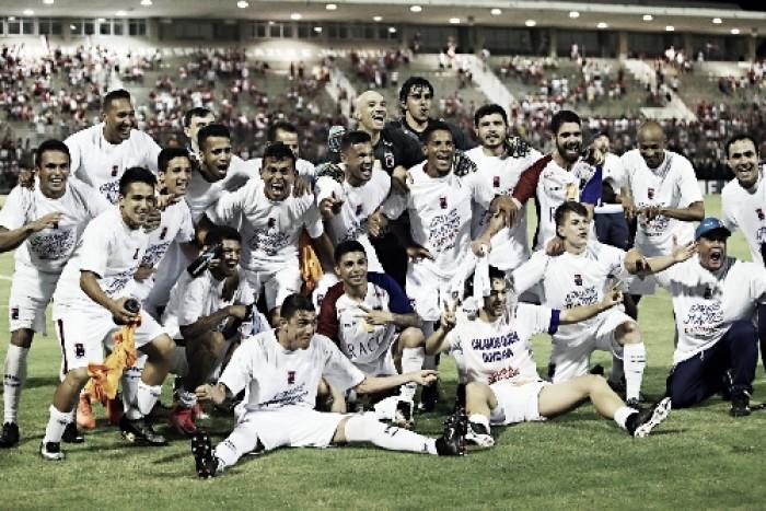 Paraná bate CRB fora de casa e garante retorno à Série A após dez anos