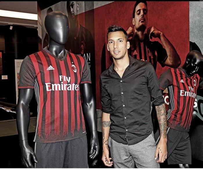 """Milan, parla l'agente italiano di Vangioni: """"Aspettiamo prima di giudicare"""""""