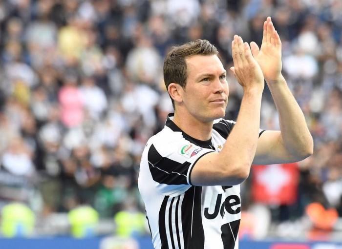"""Juve, parla Lichtsteiner: """"Ho un contratto, proverò a difendere il mio posto"""""""