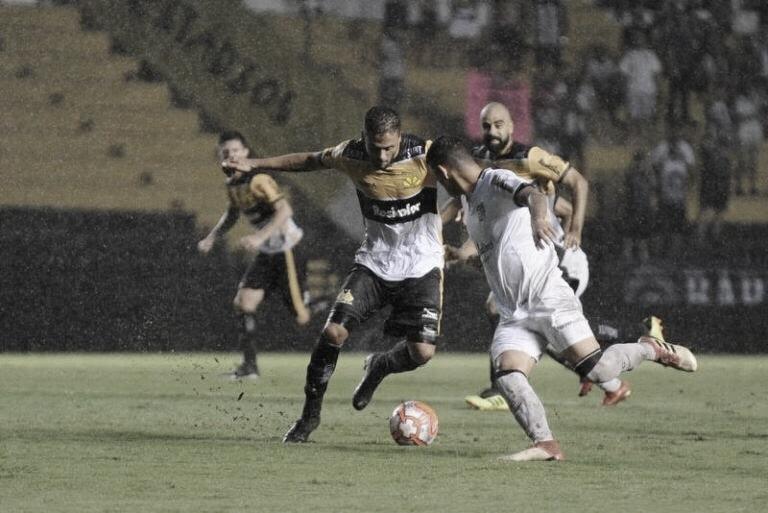 Criciúma e Figueirense fazem clássico catarinense buscando reabilitação na Série B