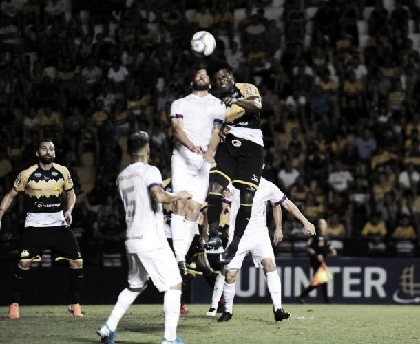 Criciúma arranca empate com Paraná em casa e ainda briga para não cair