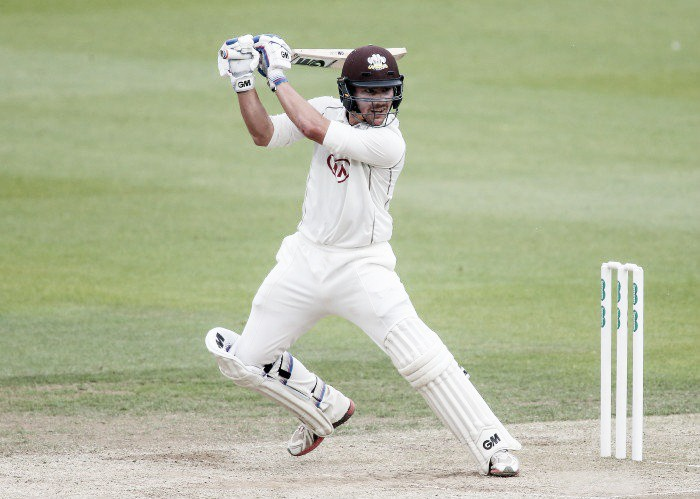 Burns brilliance leaves Surrey satisfied on day one