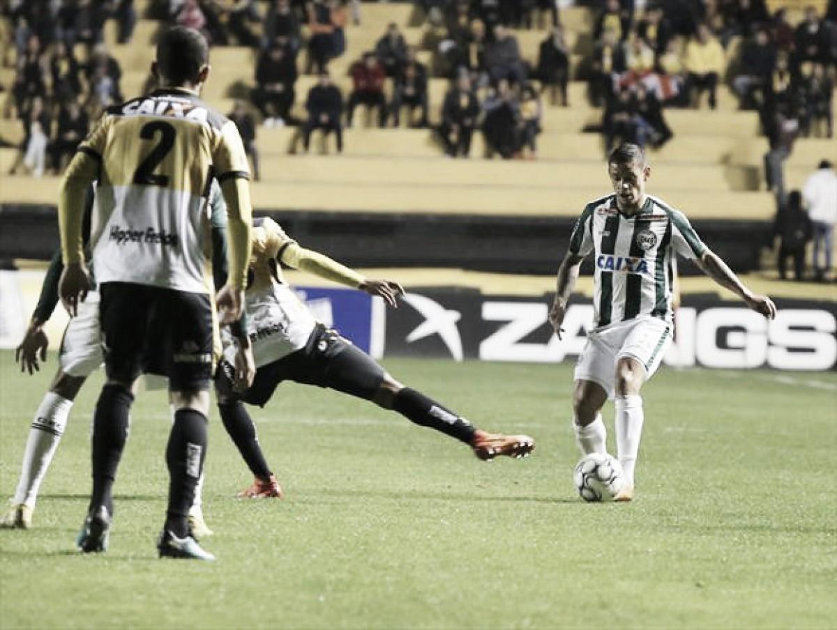 Em data festiva, Coritiba recebe Criciúma pela Série B do Brasileiro
