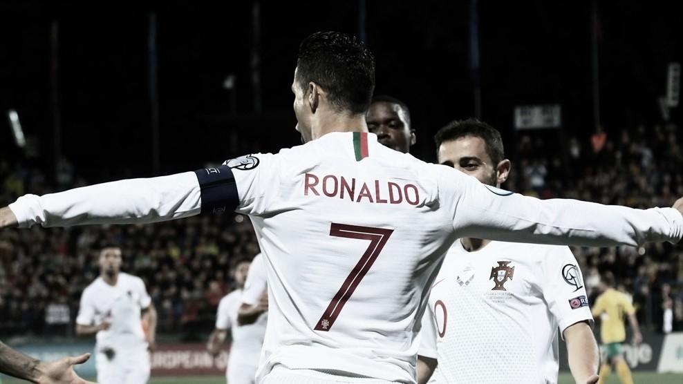 Portugal dá show e goleiaLituâniacom quatro gols de Cristiano Ronaldo