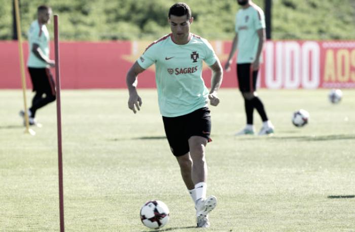 Cristiano Ronaldo se ejercita al margen pensando en Andorra